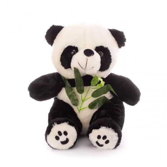 Плюшена панда с евкалиптово листо