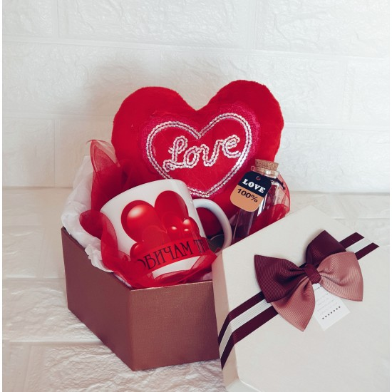"""Подаръчен комплект """"Обичам те тооолкова много"""""""
