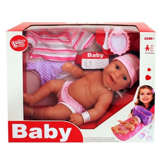 Бебче с дрешки и аксесоари